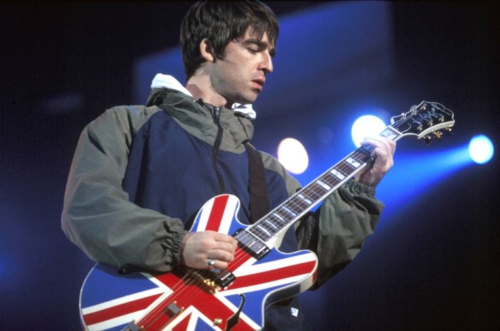 2016_Oasis_MaineRoadManchester1996_GettyImages-85510422_260416-2.jpg